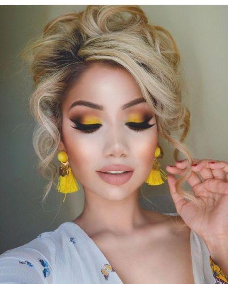 brinco amarelo
